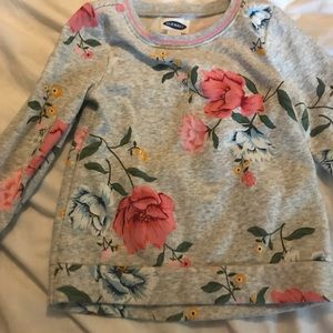 Never worn- washed once -old navy 4t